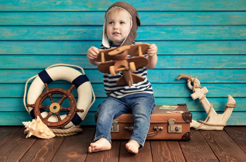 Checklist of Must-haves When Travelling With an Infant, a Toddler, or a Teenager